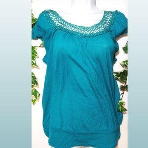 ROBIN'S NEST large crochet neck maternity top